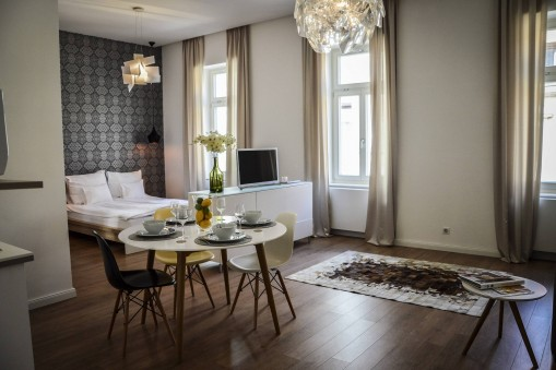 - Baross Boutique Apartman Győr